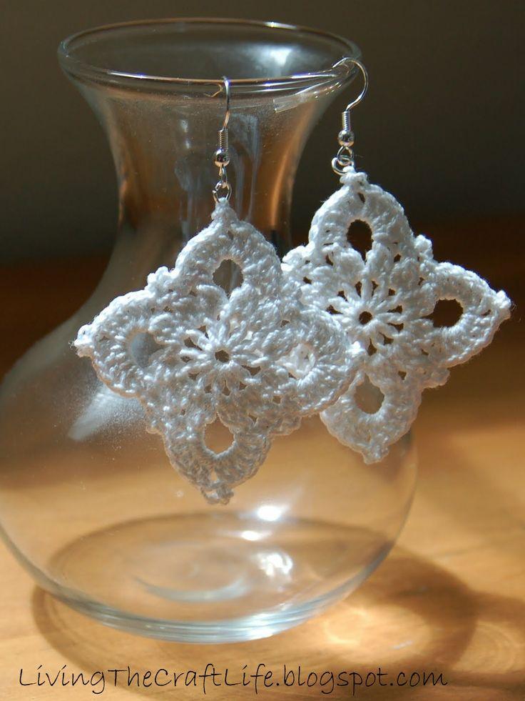 Living the Craft Life: Large Royal Earrings - Free Crochet Pattern ✿Teresa Restegui http://www.pinterest.com/teretegui/✿