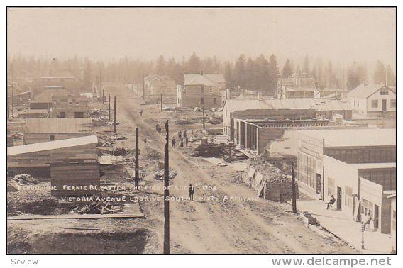 RP: Victoria Avenue (dirt) , Post Fire Reconstruction scene , FERNIE , B.C. , Canada , 1908 - Delcampe.com