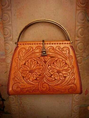 So love this vintage Mexican handbag.