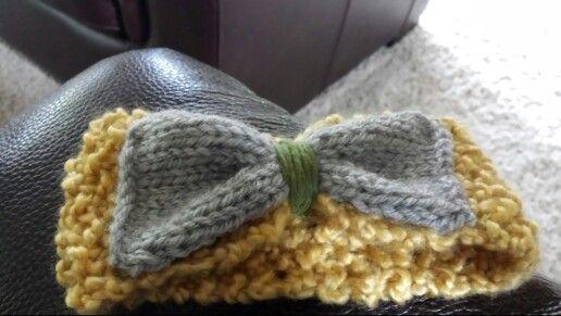 Knitted ear warmer for toddler