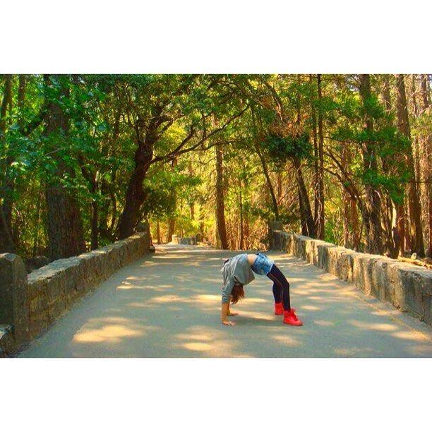 【okipochi】さんのInstagramをピンしています。 《最近は橋の上でブリッジを出来ないほど「大人」になってきた。 ・ ・ きっとそれでいいのだと思う。笑 ・ ・ ・ #感慨深い #体を張ってダジャレを表現 #アメリカだから出来たこと #若いから出来たこと #それな ・ #アメリカ #ヨセミテ国立公園 #橋 #森 #アメリカ留学 #ブリッジ #ダジャレ #ヨガ #アーチ #海外旅行 #旅 #旅行 #海外 #ストレッチ #america #bridge #Yosemite #yosemitepark #travel #trip #yoga #stretch》