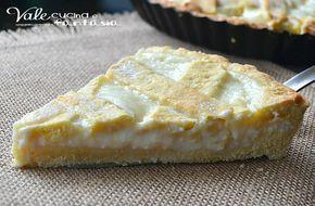 Crostata con crema al latte, un dolce buonissimo con tanta crema golosa e facile da realizzare, un guscio di pasta frolla che racchiude una delicata crema