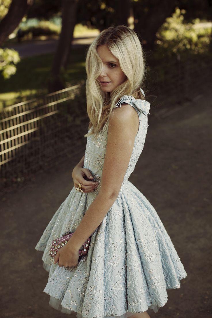 pretty blue dress {love the full skirt}