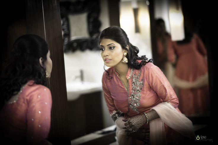 Praveen & Khushboo (Delhi) Real Indian Wedding Photos - iPic Frames