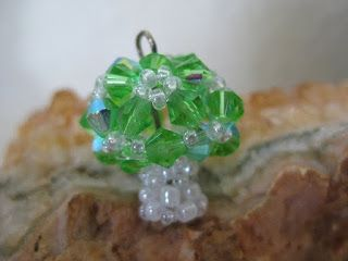 My Daily Bead: How to make a Mushroom with Beads
