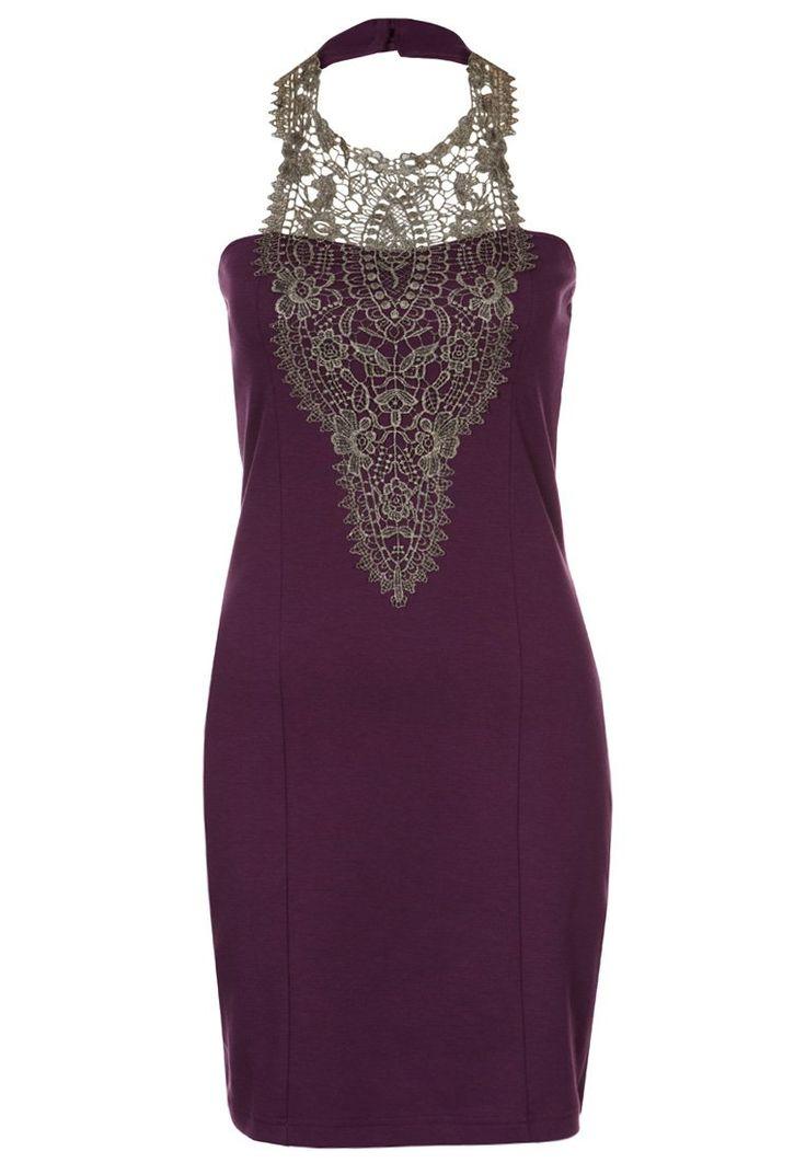 jolie robe violette moulante et vraiment pas chère !