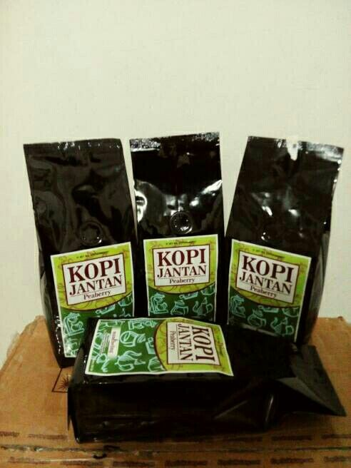 Peaberry Coffee 250 gram only IDR 95,000 roasted bean. Indonesia Speciality Coffee.