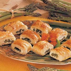 Asparagus in Puff Pastry Recipe - These look like a good wine tasting party appetizer!