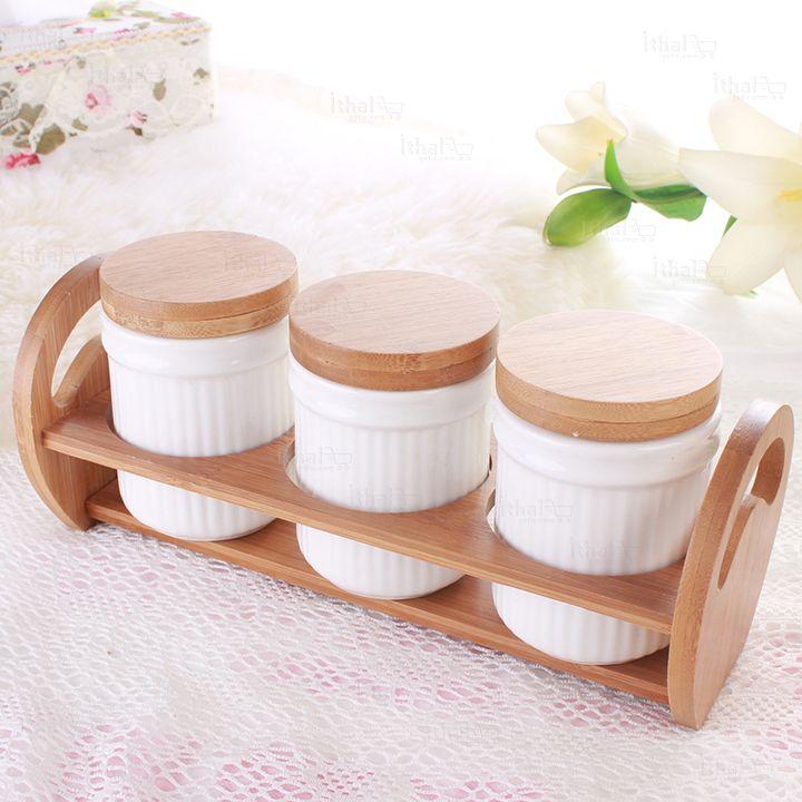 7 Parça Seramik Porselen Batı Tarzı Bambu Standlı Baharatlık Seti - IGD090613272 - 7 Parça Seramik Porselen Baharatlık TakımıÖzellikler:3 * Baharatlık3 * Baharatlık Kapağı1 * Baharatlık Standı ile Toplam 7 Parçadan Oluşmaktadır.