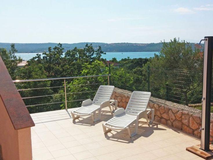 Ferienwohnung Fenix für 4 Personen  Details zur #Unterkunft unter https://www.fewoanzeigen24.com/kroatien/primorsko-goranska/51514-krkklimno/ferienwohnung-mieten/52622:1785755816:0:mr2.html  #Holiday #Fewoportal #Urlaub #Reisen #Krk/Klimno #Ferienwohnung #Kroatien