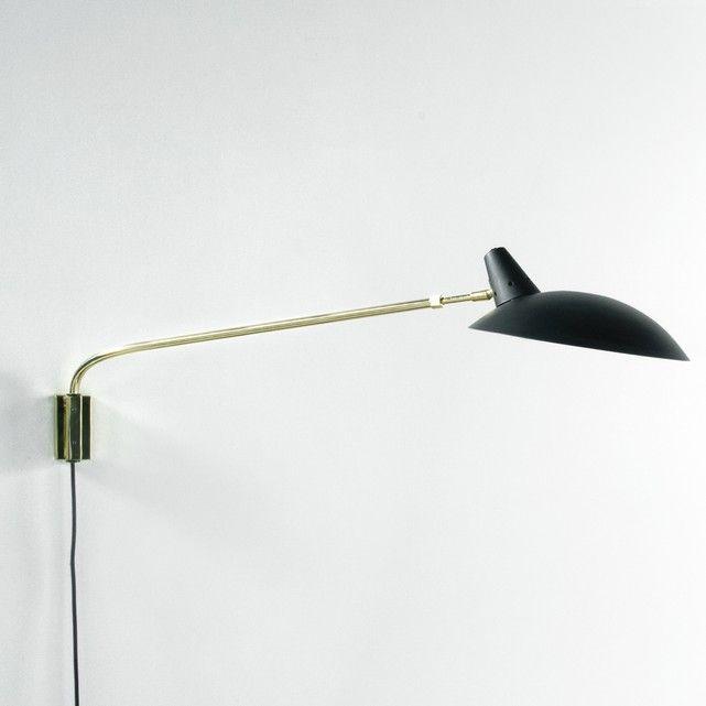Descripción de la lámpara de pared con potencia regulable Rosella Brazo extensible + cabeza orientable de derecha a izquierda.Casquillo E14 para bombilla flúor compacta 8 W máx., (no incluida).Esta lámpara es compatible con las bombillas de las clases energéticas: A. Características de la lámpara de techo origami Myrsa. Características de la lámpara de pared regulable RosellaEstructura de metal con acabado de latón.Pantalla de metal revestido con pintura epoxi, y acabado mate.Cable…