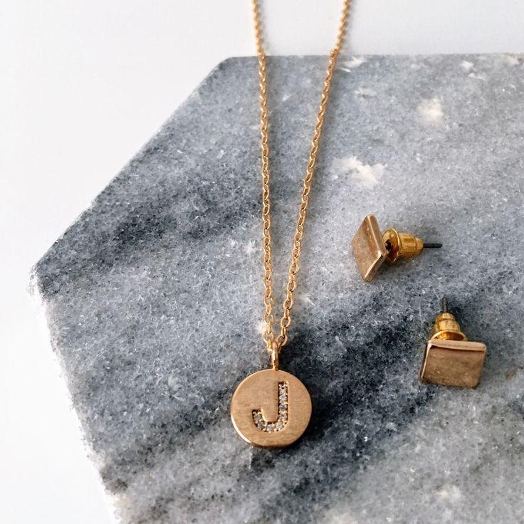 #julierawbox #giftforher #jewelry #earrings #necklace