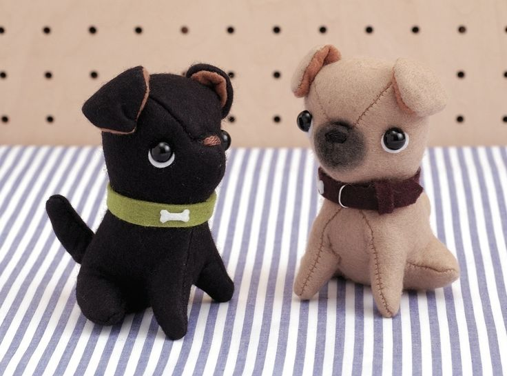Feeling blue? Olga and Pedro will fix that. These pint-sized pugs will cheer you right up, so take them wherever you go!