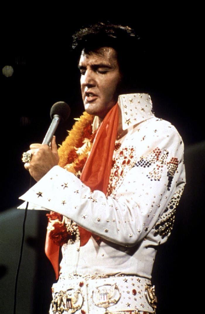 FNM Exclusive: Country Crooner Scotty McCreery Names His Three Favorite Elvis Tunes   Fox News Magazine