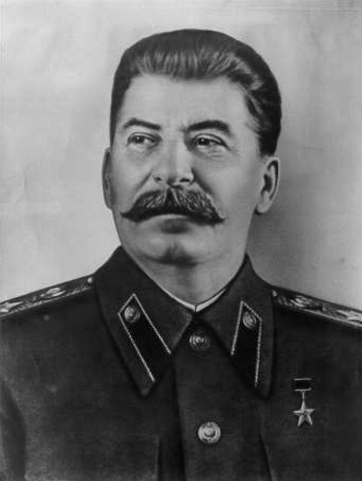 Stalin: Stalin was de zoon van een Georgische schoenlapper. Hij leefde van 1879 tot 1953. Stalin werd de nieuwe opvolger van Lenin. Nadat hij in 1928 aan de macht was gekomen door de machtsstrijd te winnen van Trotski, ontwikkelde hij Vijfjarenplannen, waarin de procuctie in industrie en landbouw werd voorgeschreven.