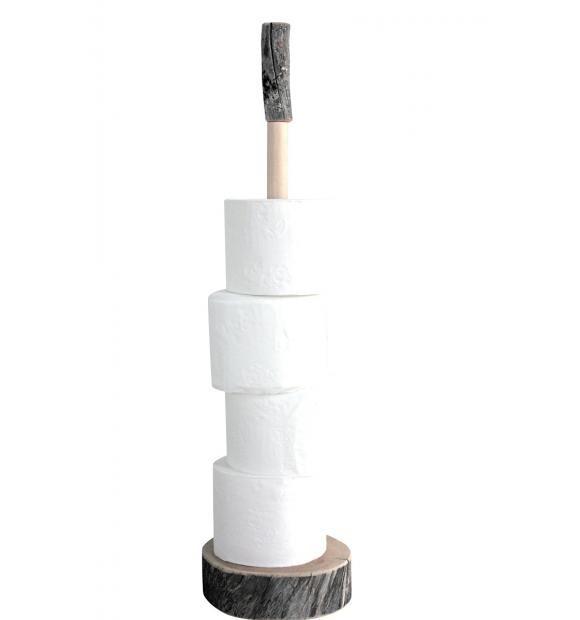 Toiletrulleholder i træ fra Polarcirklen.  Skøn toiletrulle holder i kelotræ fra finske By Piippola.  Nogle ting til husholdningen har altid været lidt kedelige f.eks. toiletrulleholdere - men med By Piippolas bud på holdere i kelotræ fra Polarcirklen er de endelig forvandlet til skønne designobjekter.