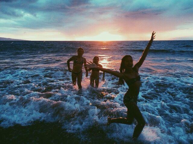 Les Loisirs-J'aime nager sur des vacances avec mes bon amis.