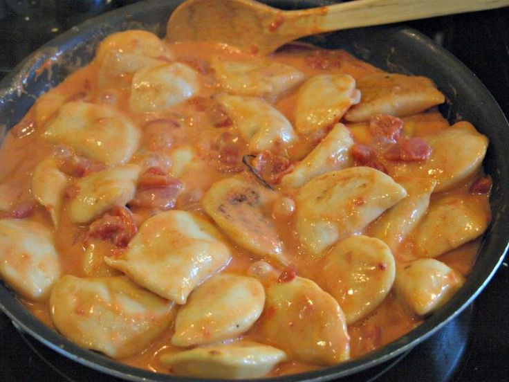 Quick Weeknight Meal: Easy, Cheesy Perogies :: YummyMummyClub.ca