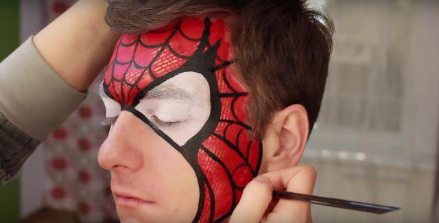 Le maquillage Spiderman : obtenez un résultat pro !