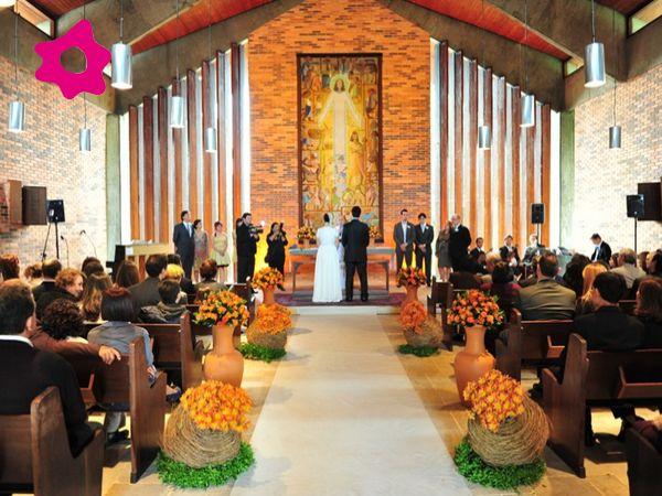 Nossa igreja possivelmente será decorada assim, no melhor estilo Pastoral da Juventude de ser. Tudo a ver comigo e com o bem!!!!