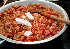 Ebly in Tomaten-Feta-Sauce
