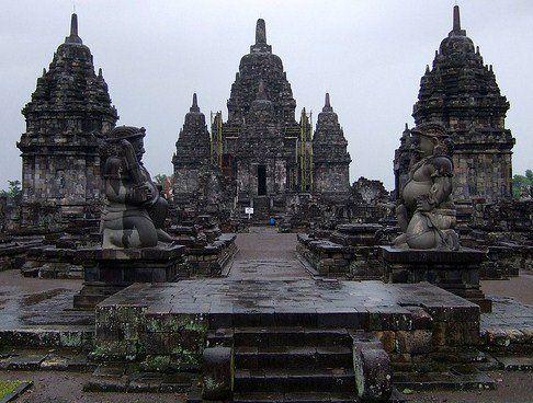 Kerajaan Mataram Kuno : Sejarah, Raja, Dan Peninggalan, Beserta Kehidupan Politiknya Secara Lengkap - http://www.gurupendidikan.com/kerajaan-mataram-kuno-sejarah-raja-dan-peninggalan-beserta-kehidupan-politiknya-secara-lengkap/