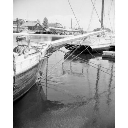 USA Fishing boats in port Canvas Art - (24 x 36)