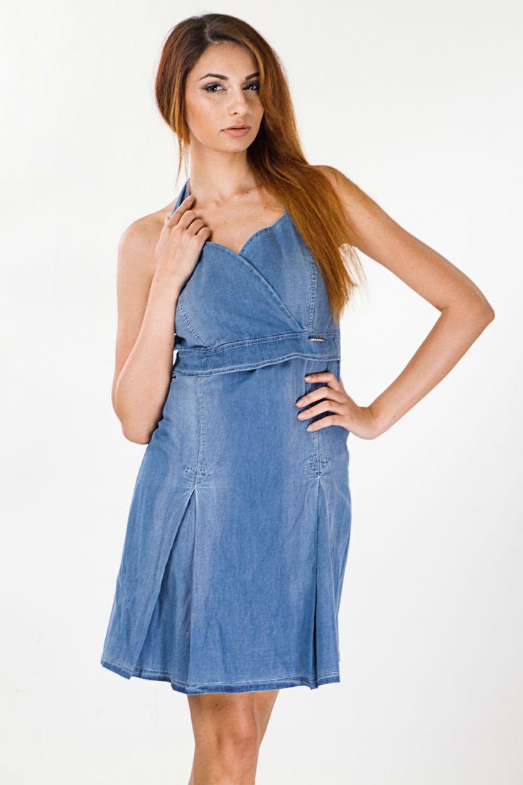 Φόρεμα τζιν Coocu  100% Polyester – 100% Πολυέστερ  Ελληνικής Προέλευσης Τιμή: 33,92 € Δείτε το εδω: http:// www.benissimo.gr/forema-jean-coocu.html