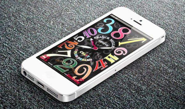 iPhoneのロック画面を高級時計「Franck Muller Crayzy Color Dreams」風にするテーマです