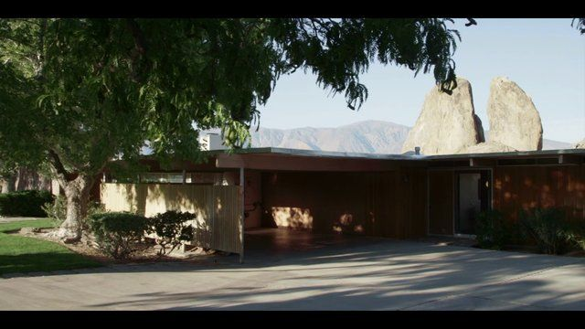 "In 1959, a working-class government employee in the tiny desert town of Lone Pine, California, asked world-famous modern architect Richard Neutra to design his modest family home. To his surprise, Neutra agreed. Thus began an unlikely friendship that would last for the rest of Neutra's life. ""The Oyler House: Richard Neutra's Desert Retreat"" tells the story of this house, and its stunning desert setting, through interviews with Richard Oyler, actress Kelly Lynch, who ..."