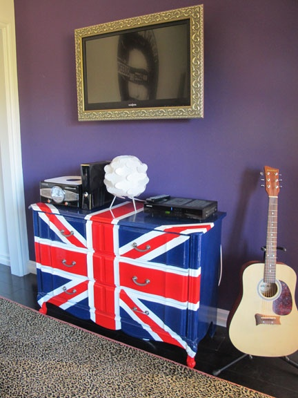 for the boys England themed room (or gilrs)