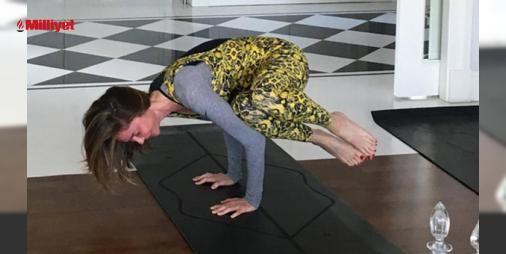 Demet Şenerden yoga paylaşımları : Arkadaşlarıyla katıldığı etkinliklerden bolca kareler paylaşan Demet Şenerin sıklıkla yaptığı bir diğer paylaşım da yoga hareketleri...Şenerin en son paylaşımı da yine yoga üzerine oldu.Ardı ardına dört fotoğraf paylaşan ünlü isim bu karelerde son derece zor ve ileri derecede deneyim gerektiren ...  http://www.haberdex.com/magazin/Demet-Sener-den-yoga-paylasimlari/64638?kaynak=feeds #Magazin   #yoga #paylaşan #Demet #Şener #ünlü