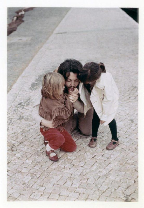 Paul McCartney, Heather McCartney and Mary McCartney <3
