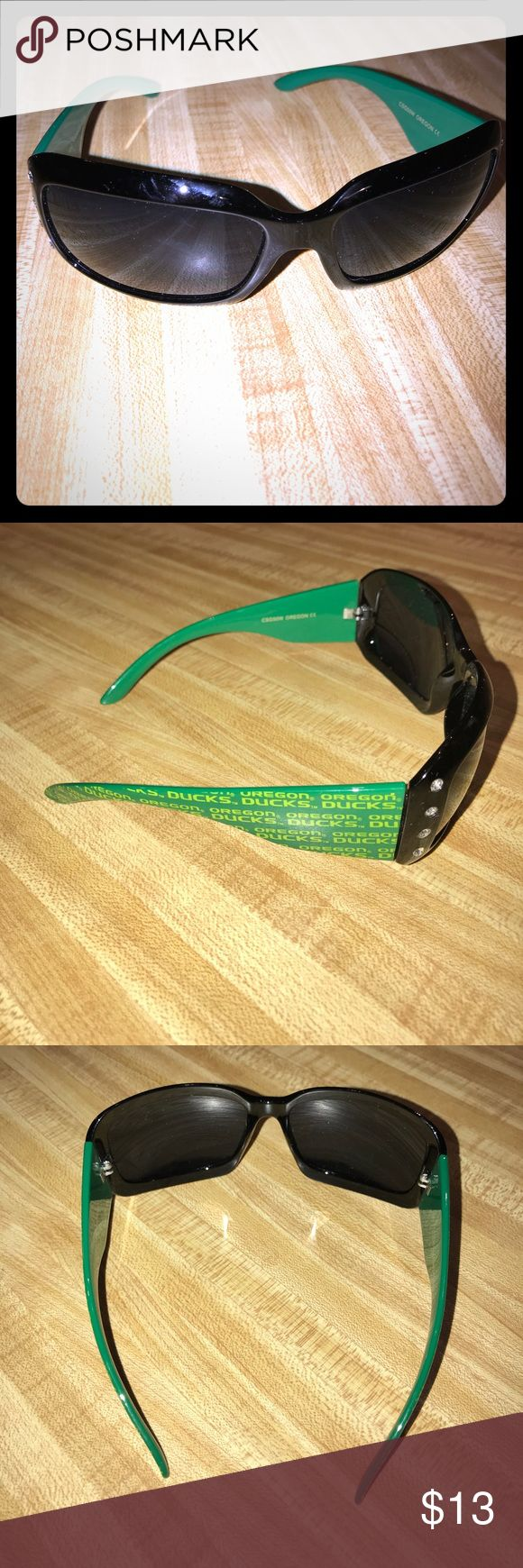 💚💛Oregon Ducks, NWOT, sunglasses with bling 💚💛Oregon Ducks, NWOT, sunglasses with bling! Be game day ready all year long! Accessories Sunglasses