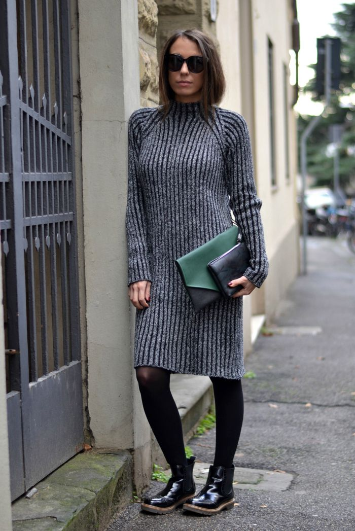 Grey sweater dress - Tucked in hair