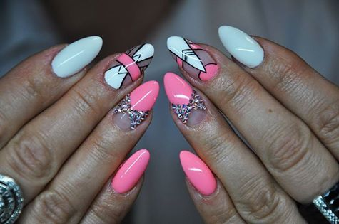 Gel Brush Troppo Bello + White  by Katarzyna Stachura, Indigo Young Team #nails #nail #pink #white #aztec #indigo #nailart #wow #hot