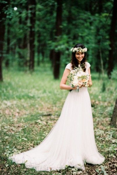 Laura is wearing our Flower 881 C lace and tulle bridal gown. Photo: Beloved - Dósa Győző