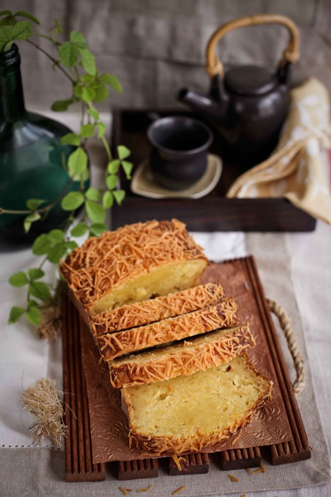 Cooking Tackle: KueTape-Keju / Fermented casava Cake