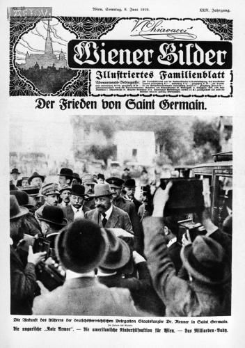 1919. Der Leiter der österreichischen Delegation, Staatskanzler Dr. Karl Renner (1870-1950), trifft in St. Germain zu den Friedensverhandlungen ein.