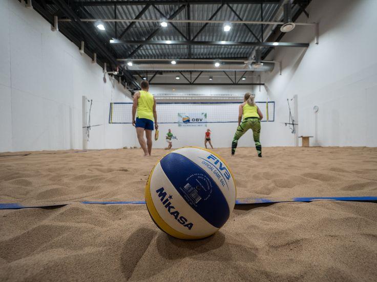 Winter is coming but beach volley season continues in Oulu! Vaikka talvi tulee, niin beach volley kausi jatkuu Oulussa ledien valaistessa.