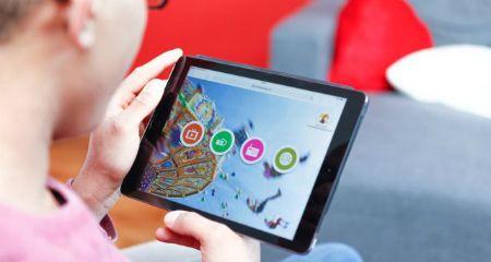 Vragen over iPads, apps of Youtube; hoe ga je daar mee om?Meedoen in de maatschappij, dus ook in de digitale wereld, is belangrijk voor mensen met een verstandelijke beperking. Barbara Reinders, functioneel beheerder bij 's Heeren Loo onderzocht in hoeverre is de VG-sector daar klaar voor is.