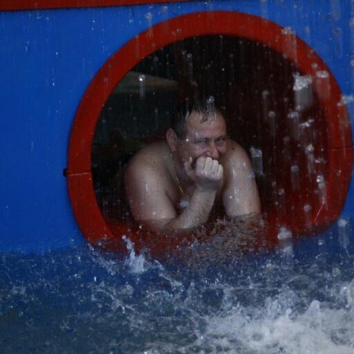 Большой праздник в День защиты детей! Посвятите праздничный уикенд своим детям, проведя его на увлекательных аттракционах «Ква-Ква парка»! 1 и 2 июня в честь Дня защиты детей в «Ква-Ква парке» пройдет вечеринка Winx Splash Party. #вднх #семья #Москва #Россия #отдых #горки #бассейн #баня #скидки #сеанс #семья #лучшиефотографы #Лето
