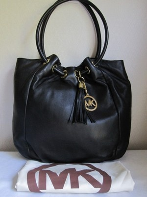 7b383ecff669 ... shopping michael kors black leather bag af7d4 b2452