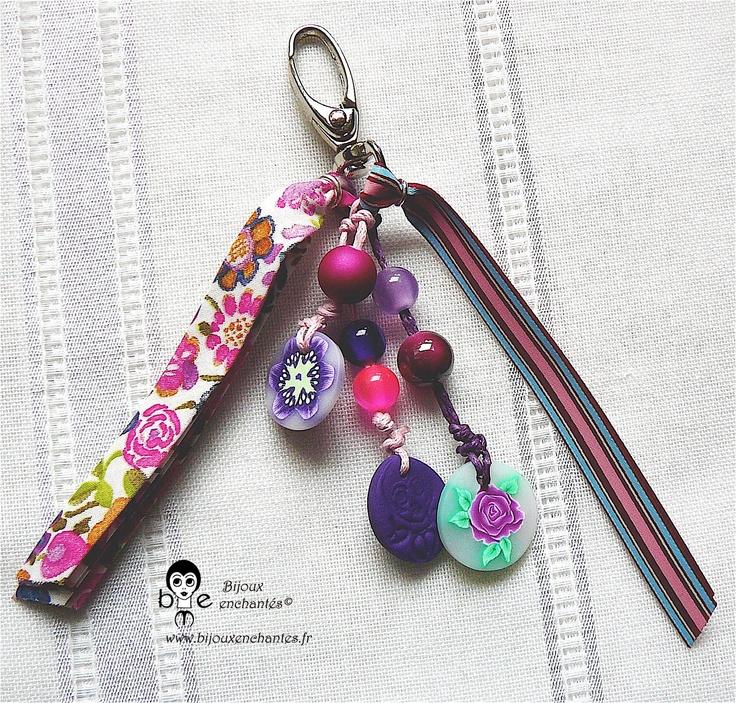 Bijou de sac en fimo et liberty violet-rose