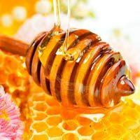 La miel de brezo es una de la mieles mas apreciadas dentro de la amplia variedad existente en el mercado, prueba de ello son su aroma y sabor sutiles que la hacen incomparable con sus hermanas.