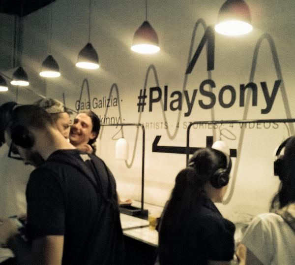 """From """"#PlaySony #SonyMDR"""" story by TheGoodOnes on Storify — http://storify.com/thegoodones/sony-mdr"""