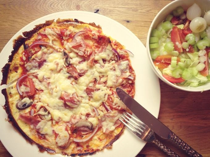This omelette pizza is healthy and delicious, the whole family will enjoy it! Syn-free on the Slimming World Extra Easy