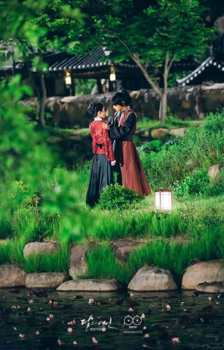 The costumes! The sets! Scarlet Heart Ryeo rocks.