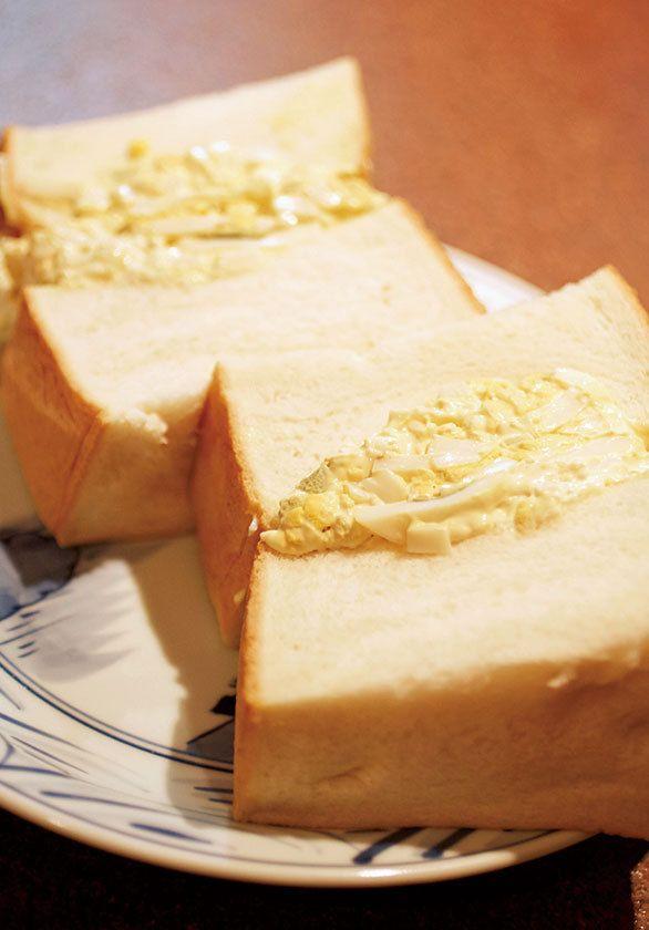 東銀座の超巨大なたまごサンドは 食パンを1斤、卵を4個以上使用!|東京たまごサンドの名店BEST3|CREA WEB(クレア ウェブ)