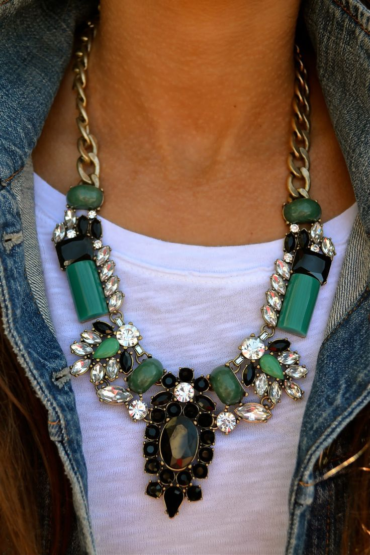 White tee + statement necklace+black skinnies+denim jacket
